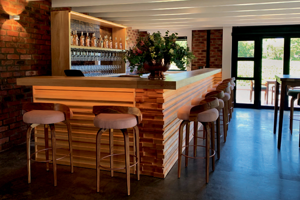 Pink Valley Wines   From cellar to Rosé bar